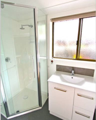 Byron Bay Central private ensuite*
