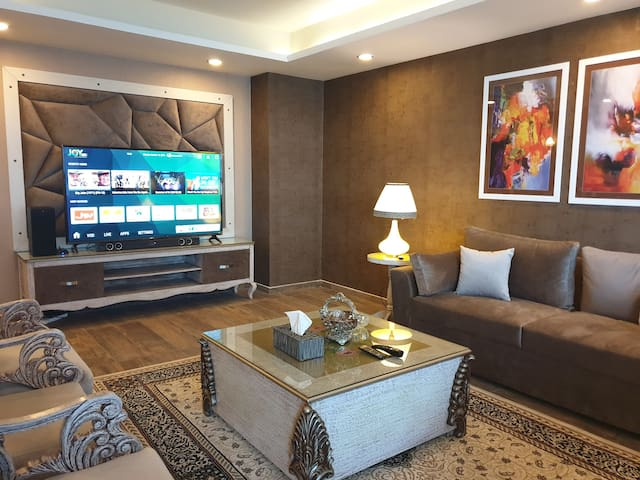 ROYAL SERVICED APARTMENTS CENTAURUS