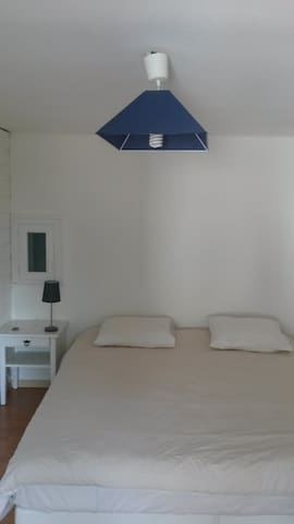 la chambre du RAIMU avec son lit tres spacieux