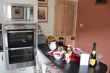 Charming Victorian terraced house with sauna - Windermere - House