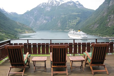 Geiranger - Amazing house and view - Casa