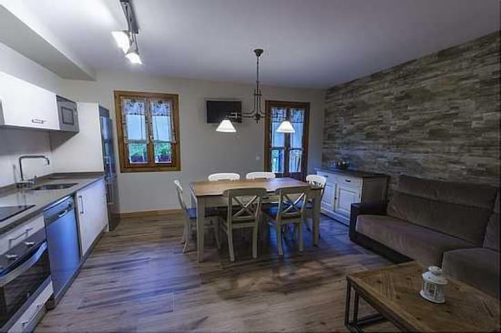 Apartamento Nogal 6 pax (3 Hab) en Ordesa Pirineos