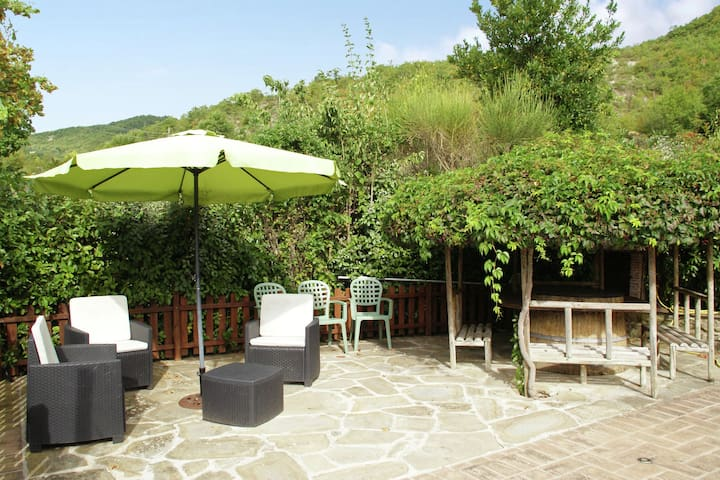 Holiday Home in Assisi with Pool,Terrace,Garden,Sun-loungers