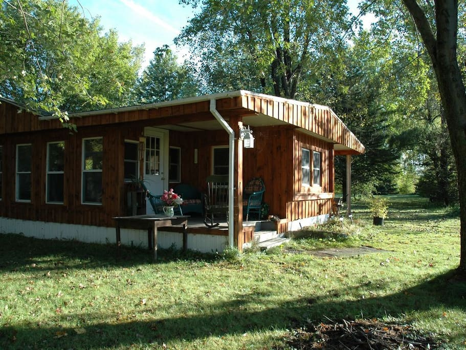 Mountain view cabins for rent in champlain new york for Lake champlain cabins and cottages