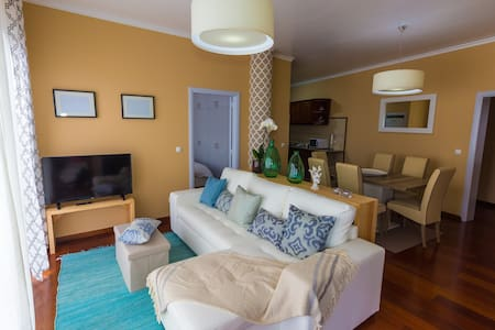 Lovely SeaSide Flat-Sleeps 6 + A/C & Amazing view! - Ponta Delgada - Apartament