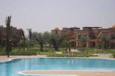 Appartement 90 m2 dans résidence avec golf&piscine