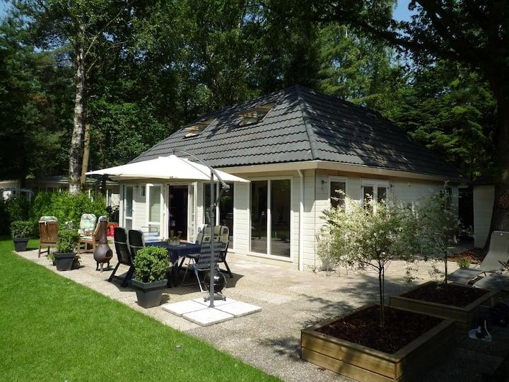 8 pers. vakantiehuis met sauna & nieuwe badkamer
