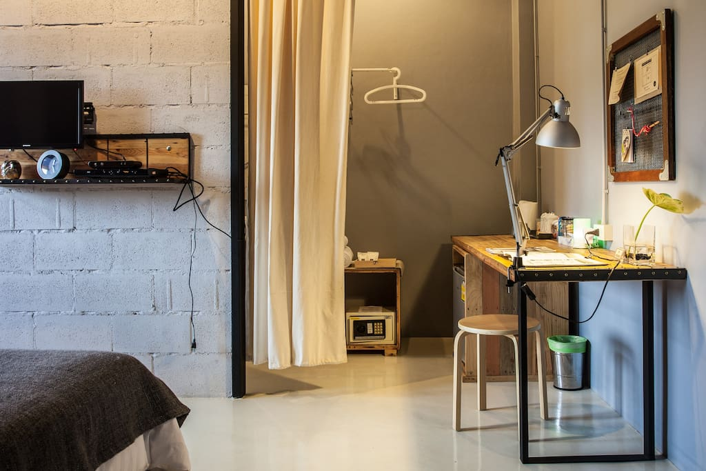 Designer house sleepclubhostel hostels for rent in for Doremon x aki