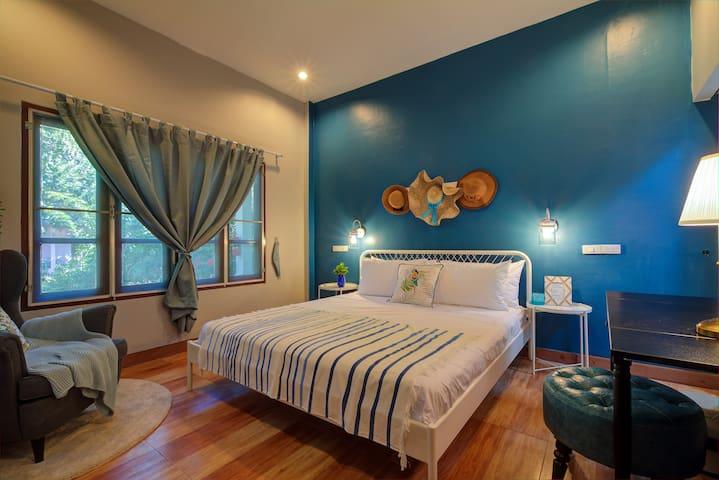New 2 Bedroom House near Beach
