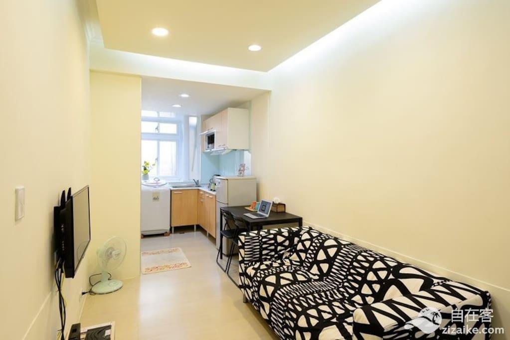 獨立空間,寬敞舒適北歐風的客廳 your own living room n kitchen, dont need share with other ppl