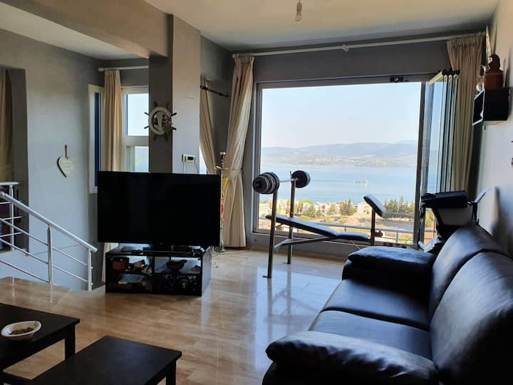 Fantastic Panoramic Seaview House and Beach