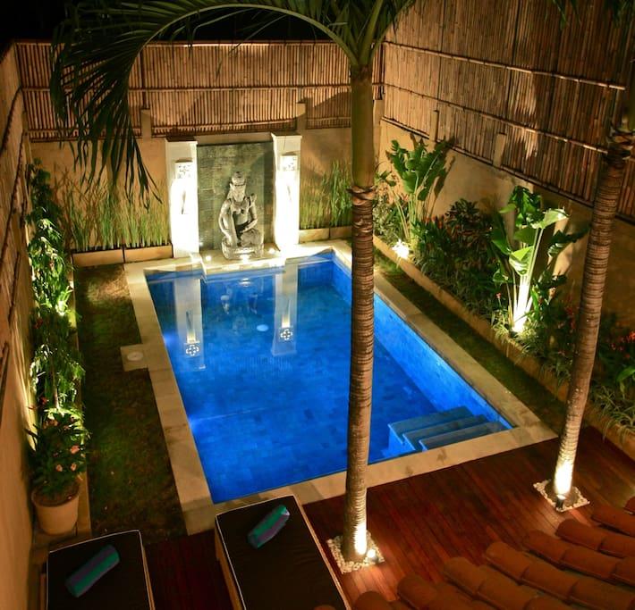 Private pool for romantic evening swim :)