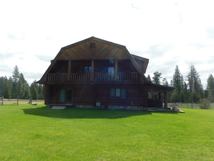 Beautiful bed and breakfast Lodge in Montana.