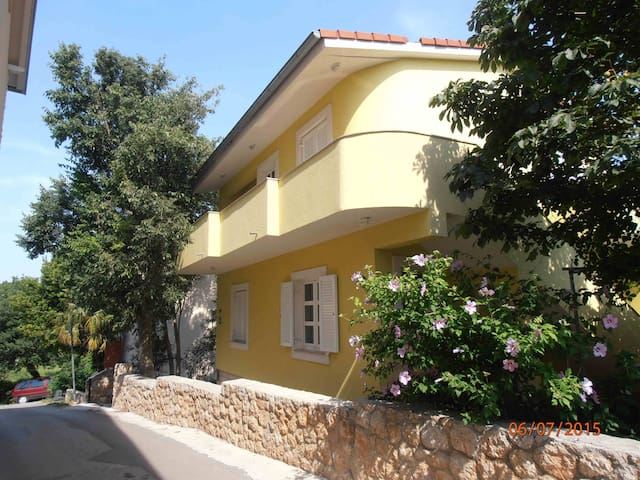 "Apartment ""Jadrana"" near beach - Jasenice - Apartment"