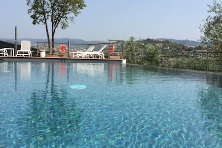 Lussuosa casa con piscina  - Imperia