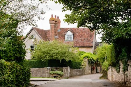 Church Hill Farm B&B - Lighthorne - Inap sarapan