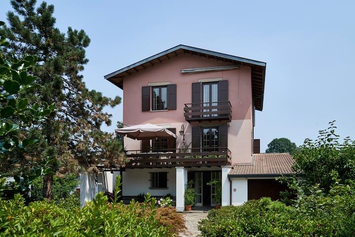 Villa Maria Cristina B&B Monte Rosa - Casnate Con Bernate