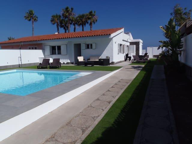 Frente al mar, lujo, piscina climatizada, 6 plazas - San Bartolomé de Tirajana - House