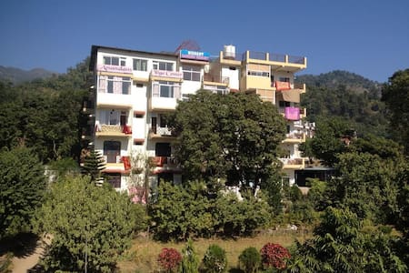 Clean, Spacious & Private Room - Rishikesh