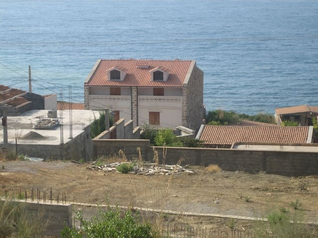 Maison en bord de mer à Bejaia