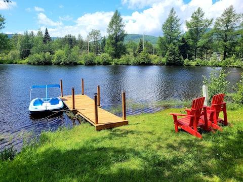 Chalet Lac-Calmie en bois avec lac privé