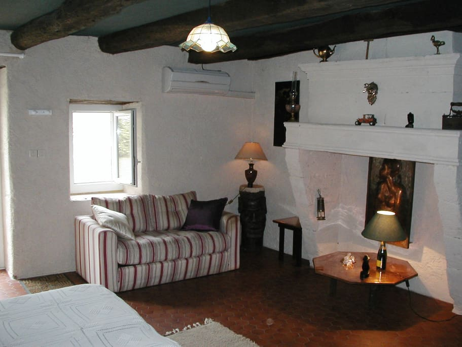 Chambre d 39 h tes noailles bed breakfasts for rent in for Chambre d hote st emilion