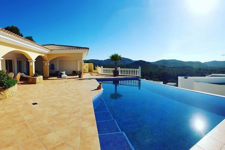 Beautiful Villa with infinity pool - Eivissa - 別荘