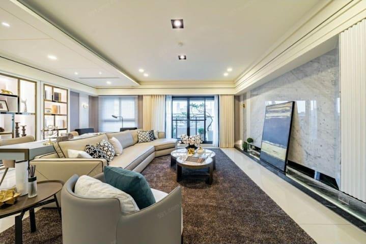巴赫共住Bach Luxury Sharing apartment/六合夜市/美麗島捷運站