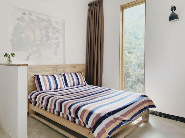 花窝窝国际青年旅舍-大床双床房(Twin Room with One Big Bed)