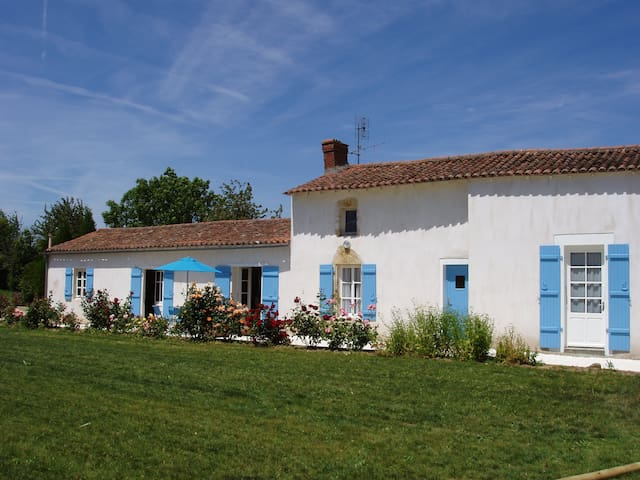 Gite with Large Garden in Vendée - Saint-Valérien