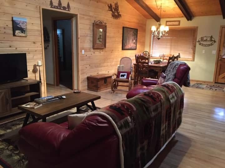 NEW -Bearfoot lodge -come share our special place