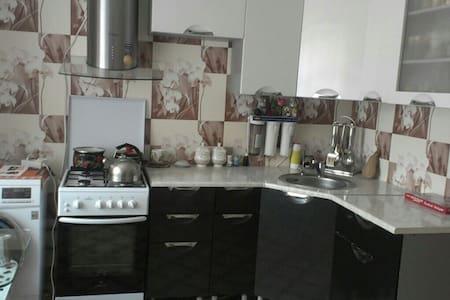 Своя квартира с хорошим ремонтом