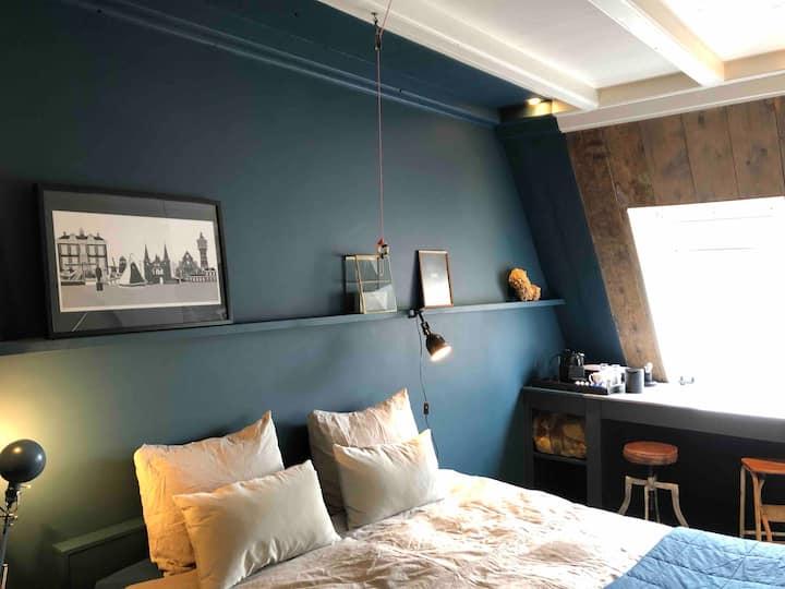 luxe appartement met drie kamers en 3 badkamers!