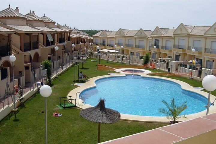 Apartamento 1ª planta. Al-Andalus.