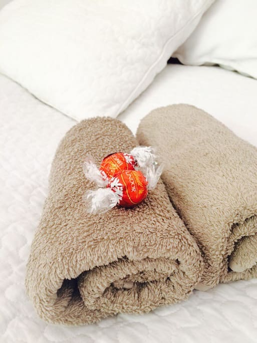 There are always fresh towels and sheets for you!