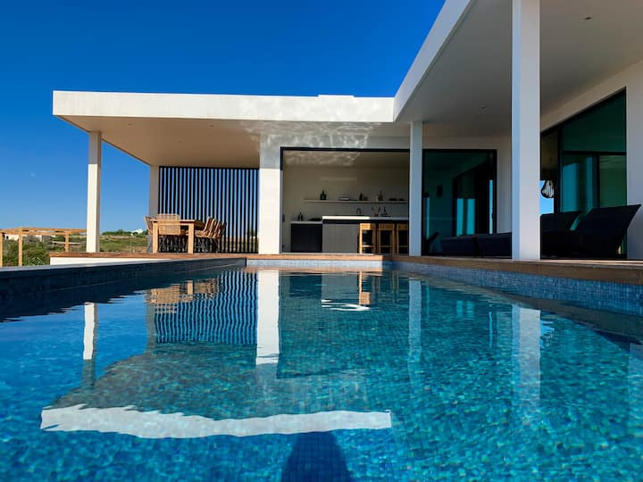 Eco-friendly luxury villa with stunning ocean view