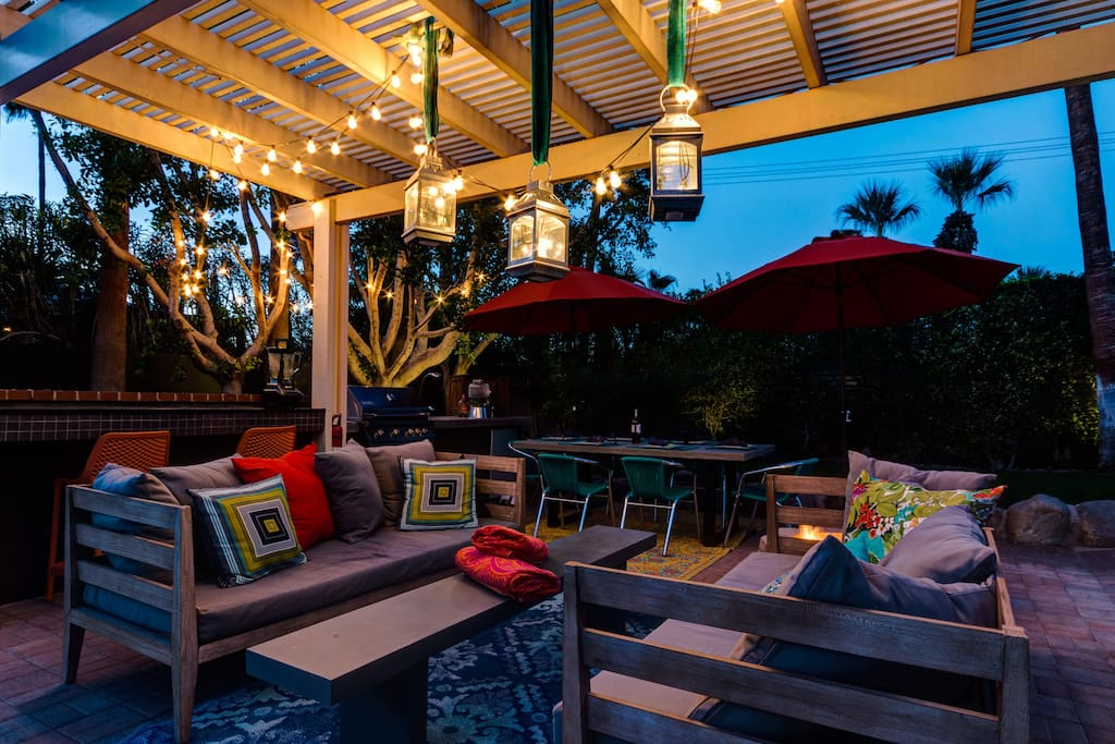 Super private outdoor space great for entertaining.