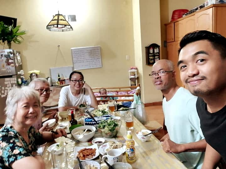 Homestay with Saigonese Grandparents , Single Room
