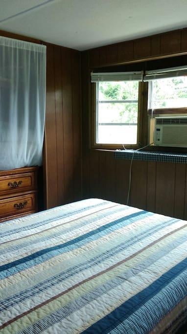 Cabin aft room