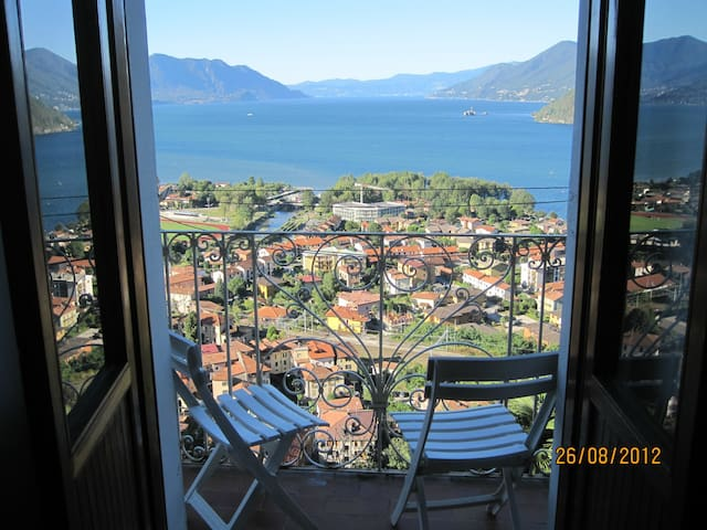 Italy: lake view 16th century home - Maccagno - Lejlighed
