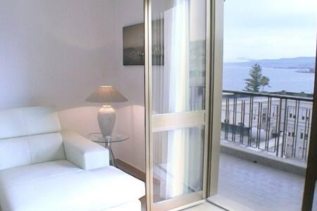 """""""EOS"""" a balcony on the sea-Balconata sullo Stretto - Reggio Calabria"""