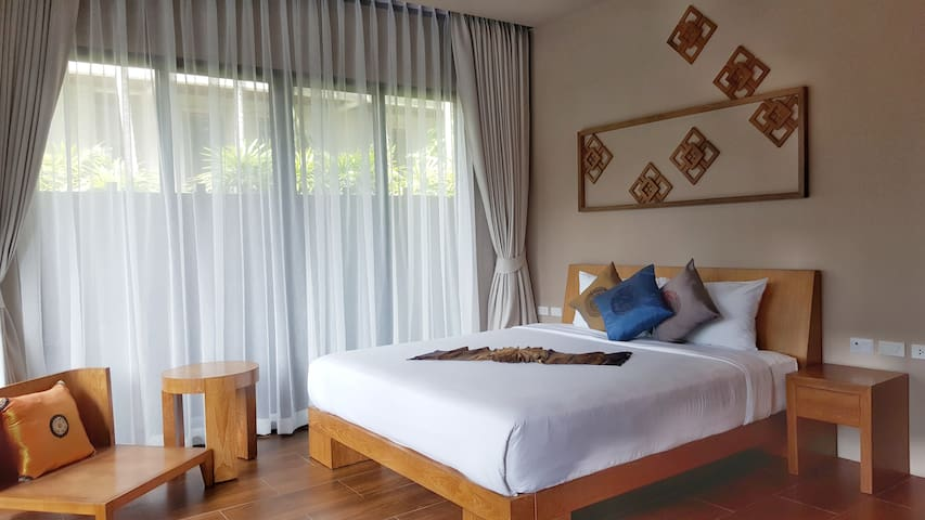 Pool Villa Naiharn Phuket