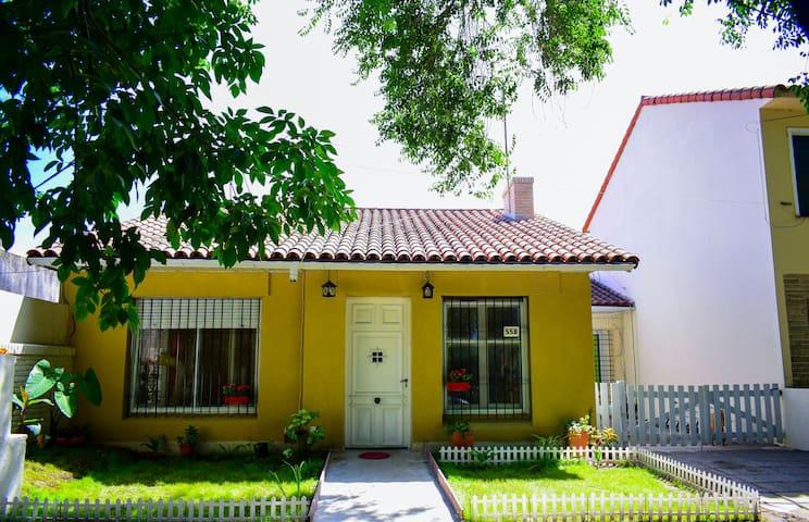 Habitación Matrimonial en Hostel en Adrogué