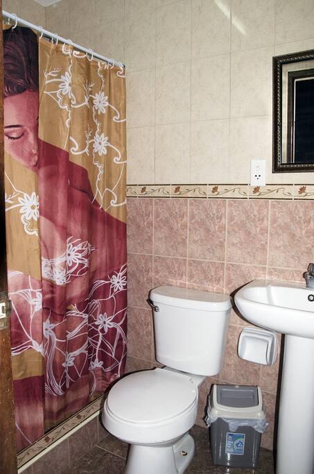 Baño privado habitación 3