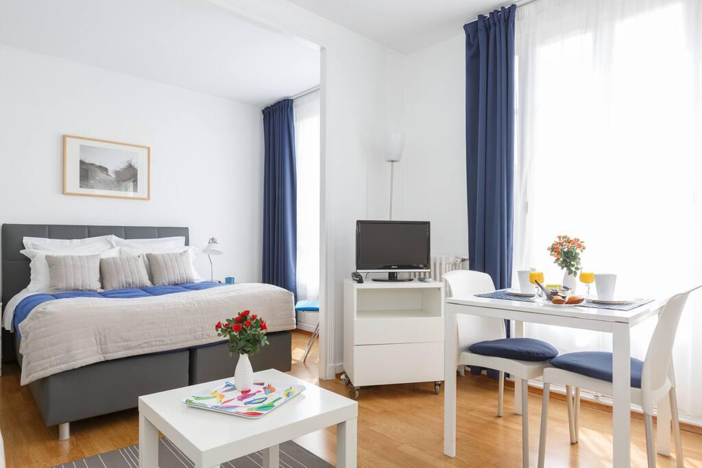 studio d spacieux 4 personnes chambres d 39 h tes louer asni res sur seine le de france. Black Bedroom Furniture Sets. Home Design Ideas