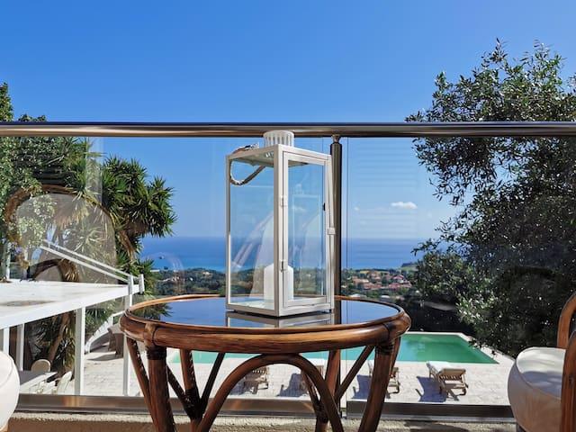 ★Villa Theresia - Luxury Pool Villa w 180º Views