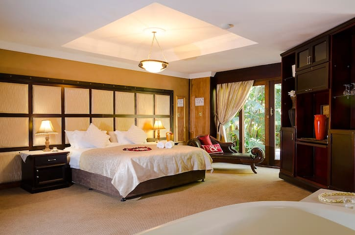 Presidential Suite - Centurion - Guesthouse