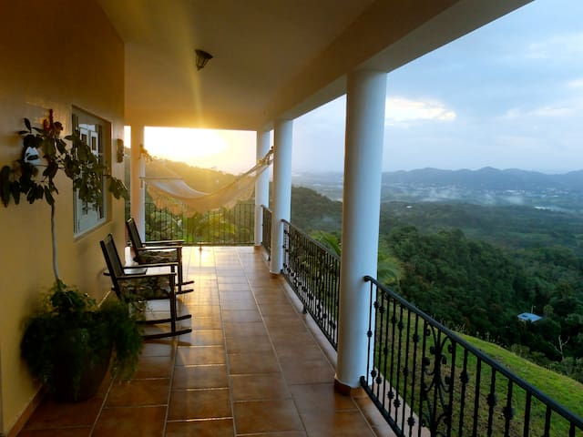 Hillside Getaway With Amazing View - Caguas - Casa