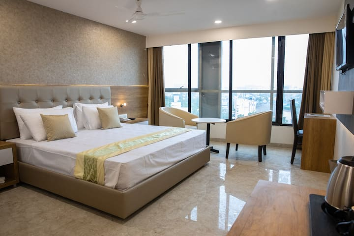 Luxurious stay in Bandra West