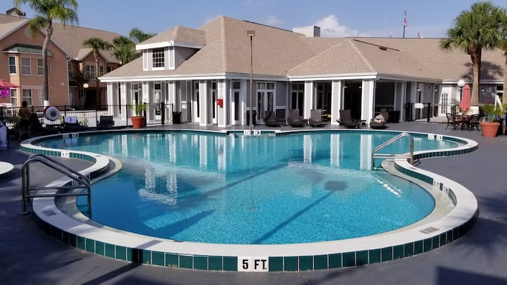 DISNEY Villas for 6 people (JAVA 5)